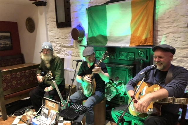 Irish band performing